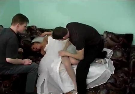 украли невесту и выебали порно видео онлайн смотреть